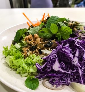 "Photo of Create Healthy Lifestyle  by <a href=""/members/profile/Sweetveganneko"">Sweetveganneko</a> <br/>Soba with generous salad and mint leaves for the refreshingness <br/> February 8, 2018  - <a href='/contact/abuse/image/15989/356309'>Report</a>"