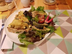 """Photo of CLOSED: Le Speakeasy  by <a href=""""/members/profile/vfantasy"""">vfantasy</a> <br/>Potato leek pie w side salad. Recommended. Large portions and olives are given <br/> August 5, 2016  - <a href='/contact/abuse/image/7291/165976'>Report</a>"""
